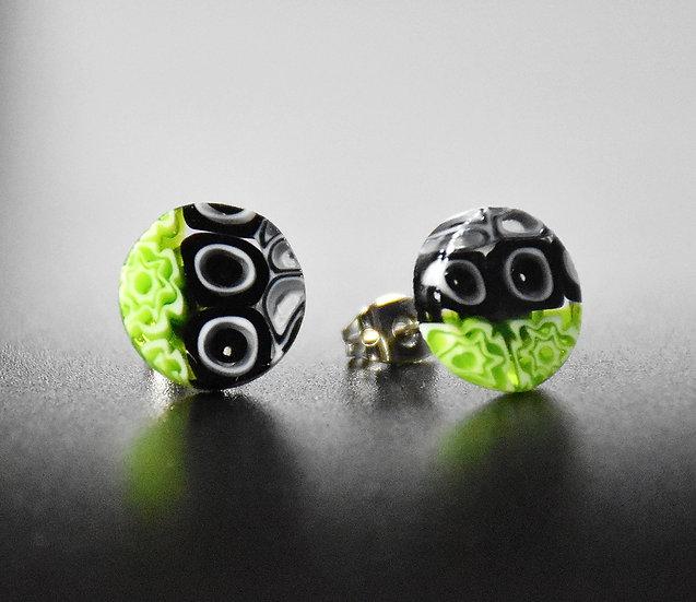 MURANO GLASS EARRINGS WITH ROUND SHAPE, GREEN AND BLACK MURRINE, 12 mm.
