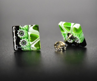EARRINGS MADE WITH GREEN, WHITE AND BLACK MURRINE. THE METAL IS NON ALLEREGENIC AND NICKEL FREE.