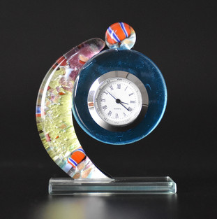 SMALL TABLE CLOCK MADE WITH SILVER FOIL AND MULTICOLOURED GLASSES