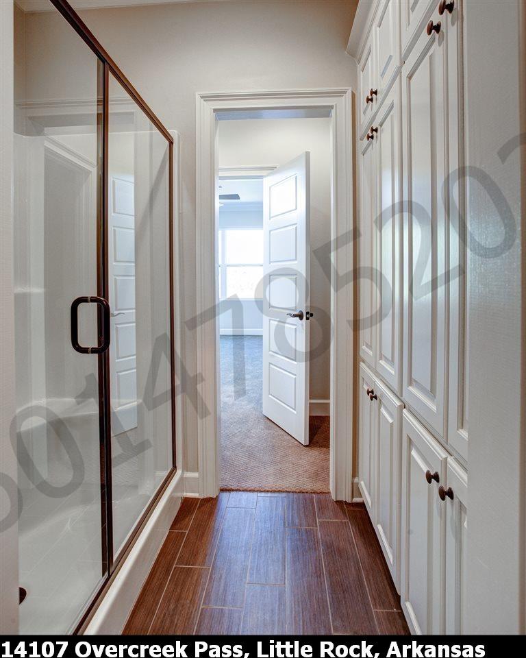 Bathroom hallway for room 4