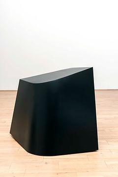 ÖMER PEKİN, Untitled (Freestanding), 2018,Lacquered steel, 60x 70x 60cm, Unique