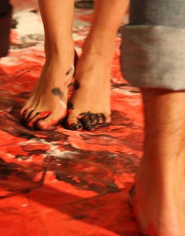 esprimenti color e piedi