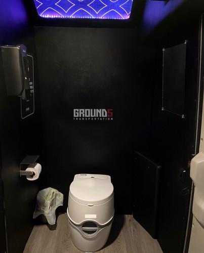 G5 Restroom (w/hand sanitizer & mirror))