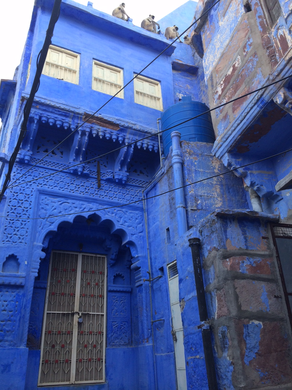 le bleu se repand sur la ville3_30may.JPG