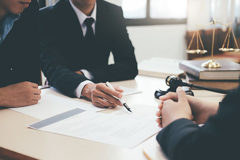 law-advice-and-legal-services-concept-BE