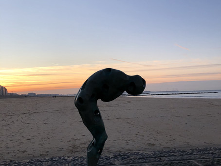 Start je weekend met een Sun hatha les op het strand