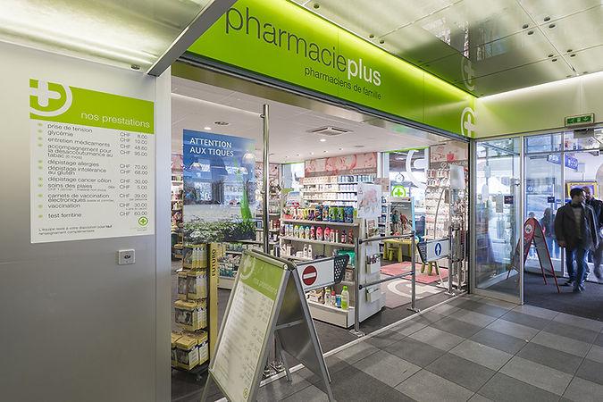 91-pharmacieplus-de-la-gare-showcase-201
