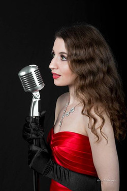 Sometimes, I like to sing =) Thanks to Drop to Design Studios for this 'action' picture! #reddress #