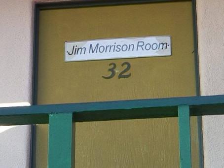 Когато записва L.A. Woman, Джим Морисън живее в тази скапана стая (#32)...