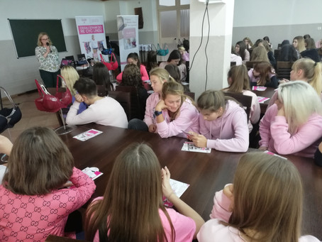 Różowy dzień w Zespole Szkół Ponadgimnazjalnych nr 4 w Malborku