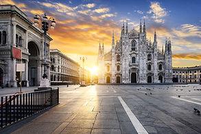 duomo con piazza (alba).jpg