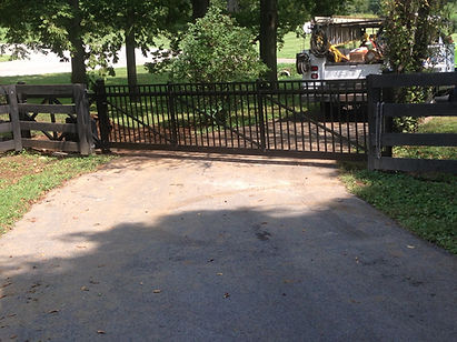 Driveway and Farm Gates Lexington, KY