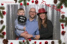 Fotobox Weihnachtssujet mit silbernem Glitzervorhang als Hintergrund