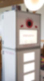 Fotobox mit beleutetem Unterbau