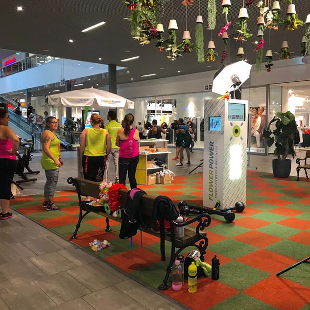 FlowerPower Fitness im Einkaufszentrum mit der Fotobox eine bleibende Erinnerung