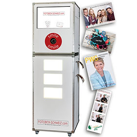 FotoboxSchweiz Photobooth with direct print and supervision