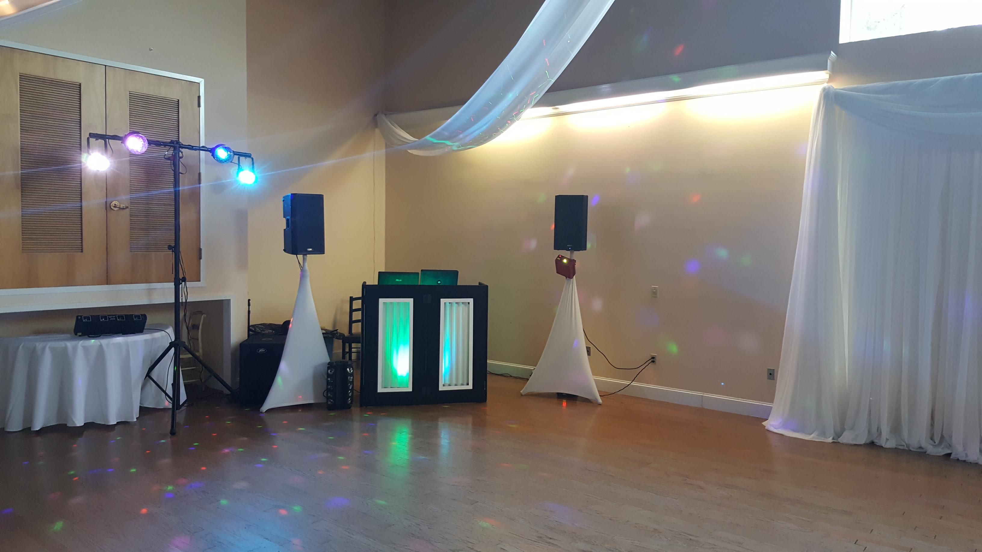 DJ Facade w/ Speaker Skrims