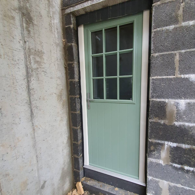 Kelly Door in Chartwell Green with Satin Glass