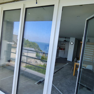 IMG-Aluminium Windows and Doors-V.j