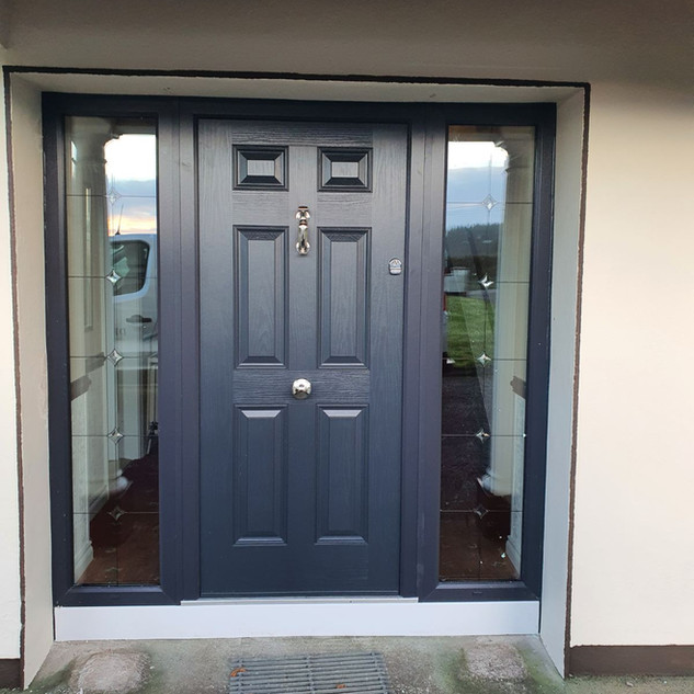 Model Gregory in Anthracite with Fenit Glass