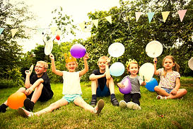 kids-enjoying-the-party-in-the-garden-N5