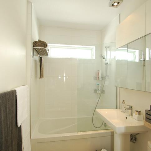 bathroom interior designer