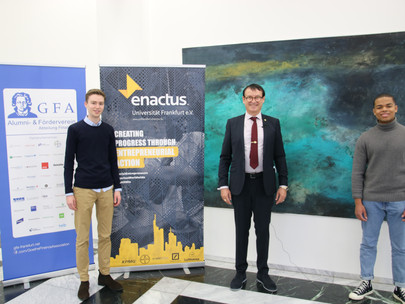 Dr. Trummer gives opening speech for Enactus Goethe University Team- kick-off, November 9th, 2020