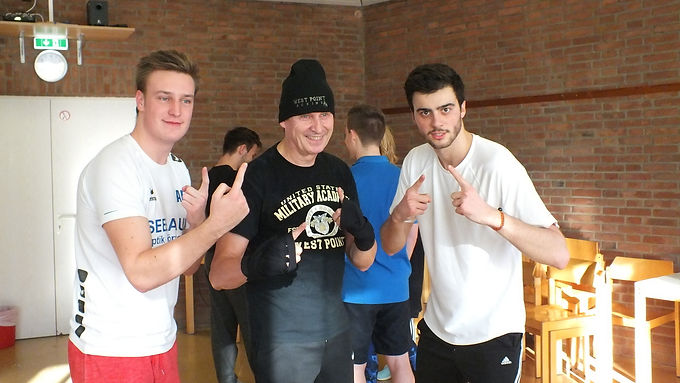 Boxing and Workout at Teambuilding-Weekend of Enactus Goethe-University Frankfurt, Dec 10th, 2016