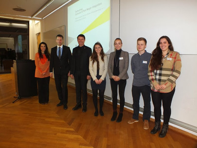 Ernst & Young zu Gast mit Company Presentation/Fachvortrag im House of Finance am 05.12.2013