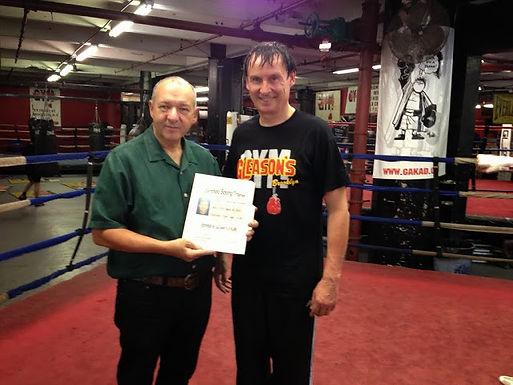 Dr. Trummer, VProf. erhielt Boxing-Trainer-Lizenz in New York City im September 2013