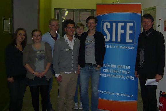 GFA zu Gast bei SIFE in der Universität Mannheim am 01.04.2011