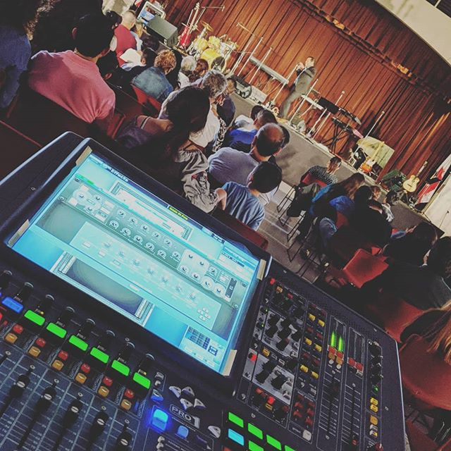 Los Angeles, live sound and light by Elysian
