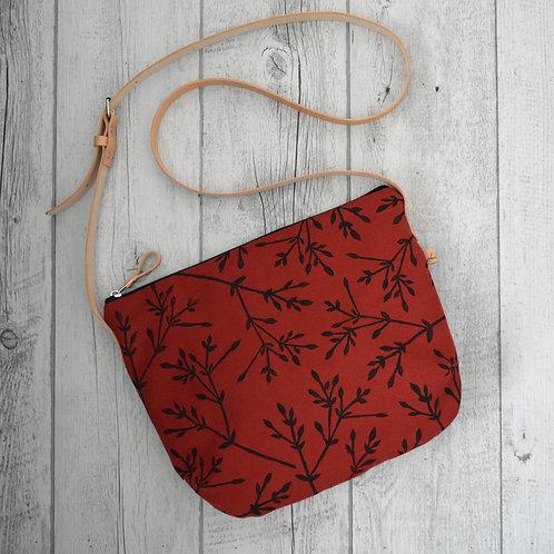 Calatea, borsa a tracolla in tessuto  rosso stampato a mano - BACCHE