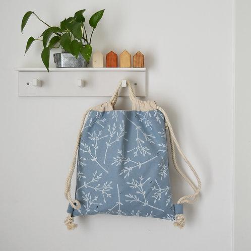 Zainetto a sacca Magnolia in tessuto celeste e grigio stampato a mano - BACCHE