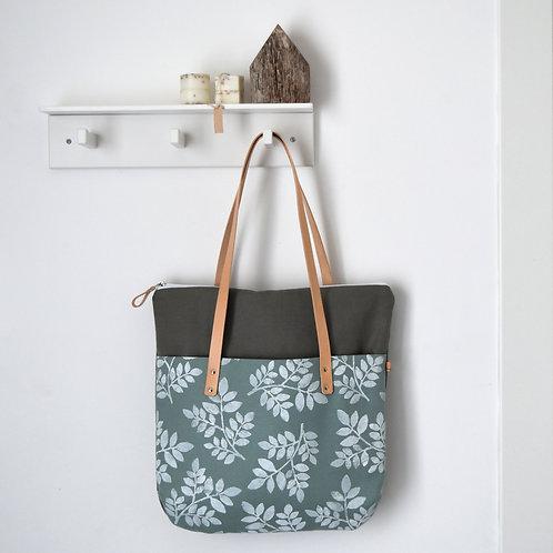 Betulla tote bag, borsa in tessuto celeste verde stampato a mano - FOLIAGE