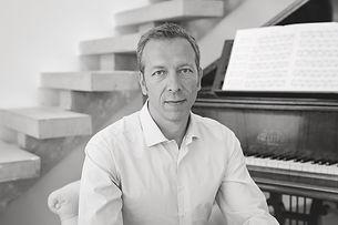 André de Semlyen - Le Monstre Orchestra - Credit Photo: Florence Akouka ©2017