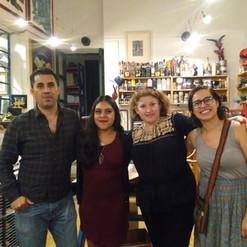 En el taller de El Pinche Grabador con la residente Vera Fainshtein