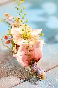 Herrenanstecker aus Blumen