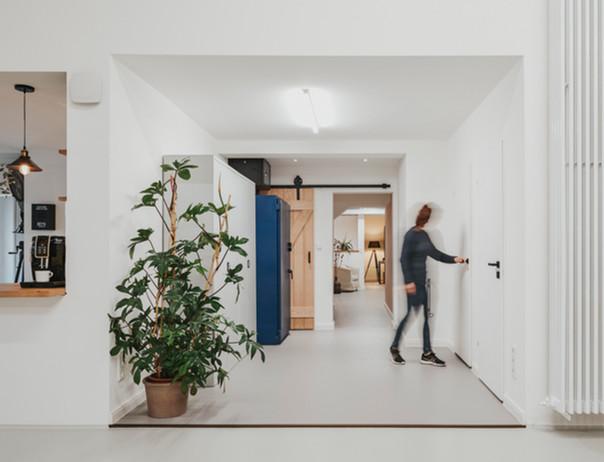 Studio_Interior-34.jpg