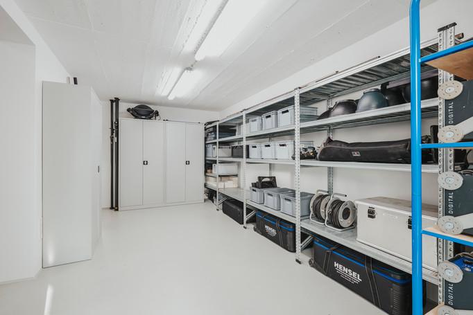 Studio_Interior-32.jpg