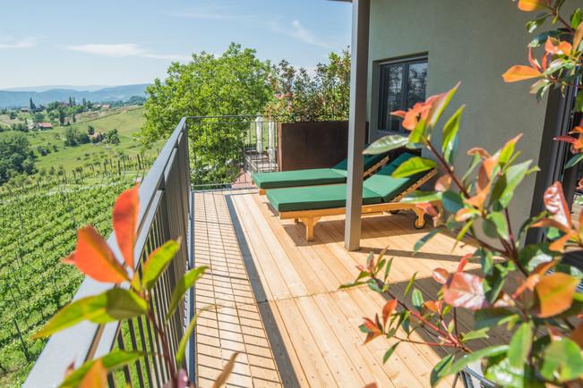 Weinhotel-Zimmer Balkon.jpg