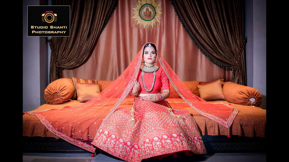 Bride Getting Ready | Apurva
