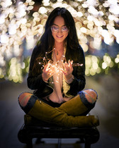 bob-mcclenahan-photography-wine-napa-sonoma-bokeh-light-beautiful-girl.jpg