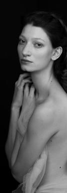 ritratto in bianco e nero di ragazza milano federica nardese fotografo fotoritratto