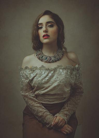 fotografia di ritratto fine art bianco e nero per signore e donne vere milano