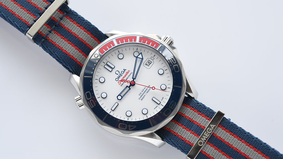 Omega Seamaster 300 007 Commander's Box Papers
