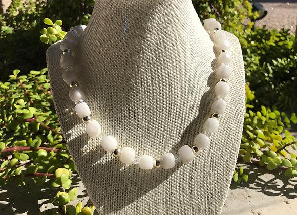 "24"" Snow Quartz and Crystal Glass Elastic Stretch Necklace"