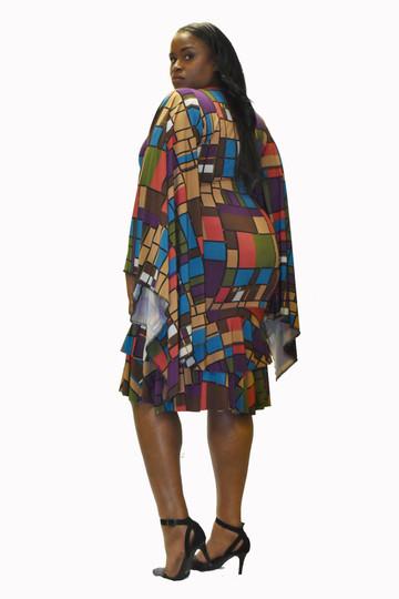 Geometric print flounce dress w/batwing sleeve