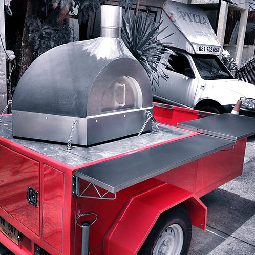 Trailer w. Wood fired Pizza Oven Tao