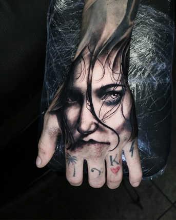 hand tattoo2.jpg